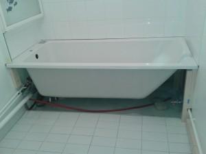 changement de baignoire desclousdescouleurs. Black Bedroom Furniture Sets. Home Design Ideas